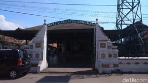 Wisata Ramadan di Cirebon: Masjid Keraton Kanoman