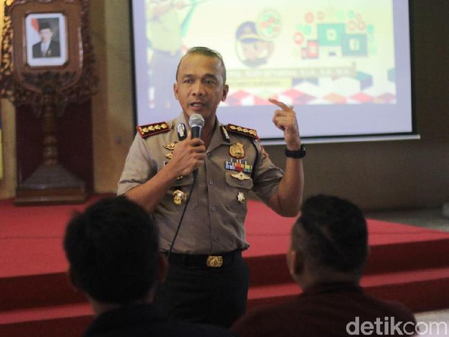 Pesan Kapolrestabes Surabaya ke Mahasiswa: Cerna Informasi Hoax