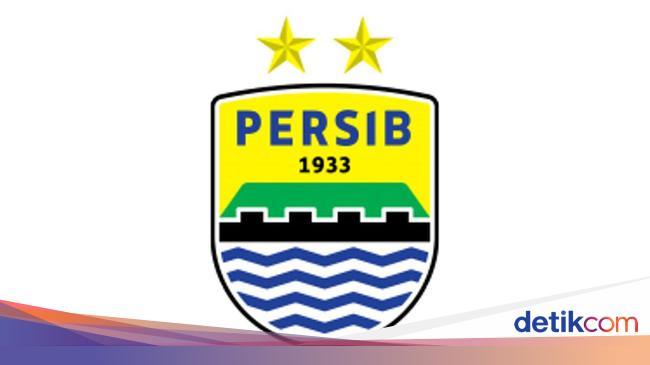 Gelandang Persib Bandung Ini Beramal Lewat Lelang Jersey