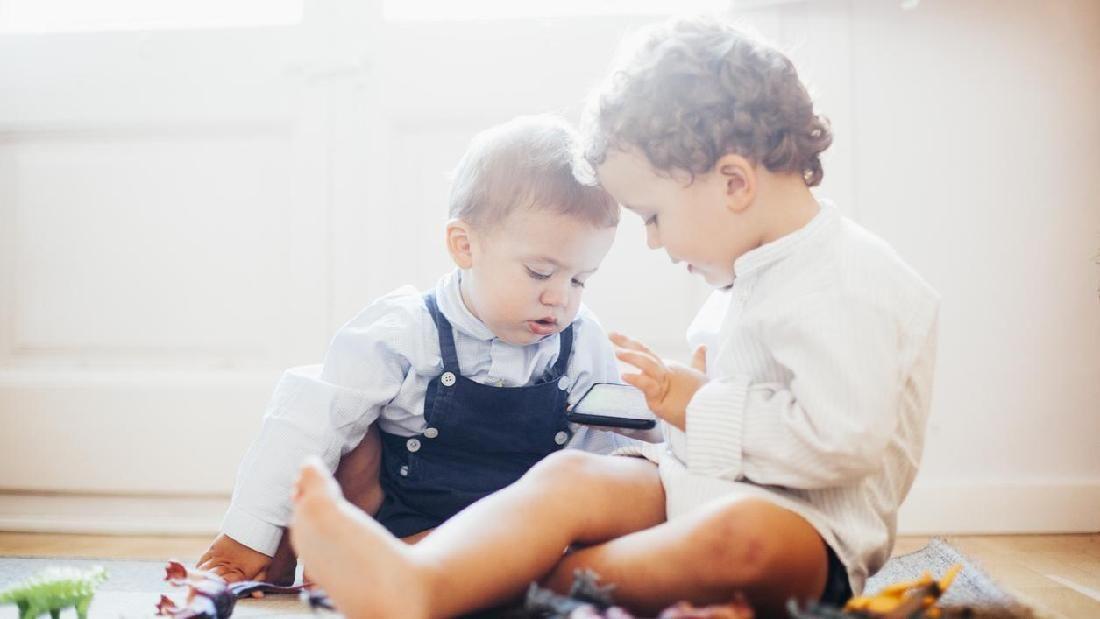 7 Cara Supaya Kakak Dan Adik Selalu Rukun