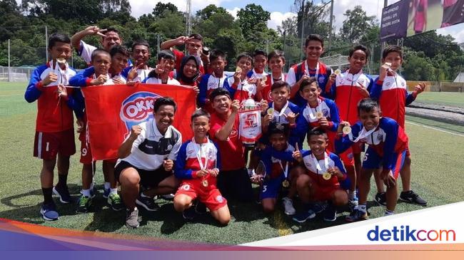 Bibit Muda Sepakbola Indonesia Juarai Singacup 2018