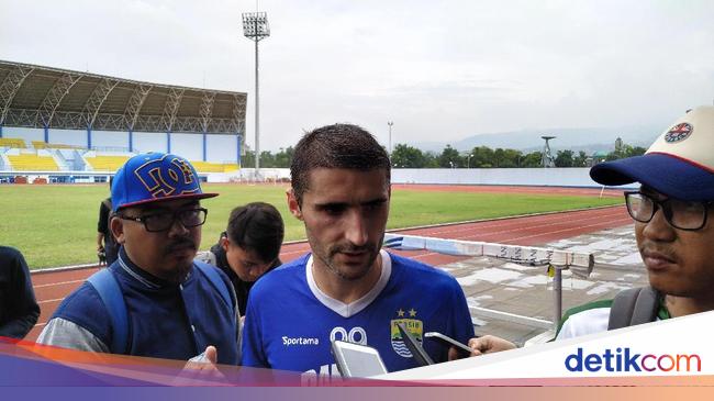 Disebut Ketuaan, Srdan Lopicic Akan Buktikan Diri Di Persib Bandung