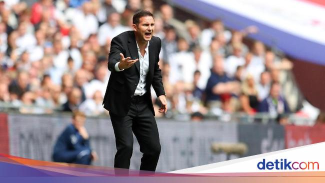 Lampard Gagal Menang di Laga Debutnya Melatih Chelsea