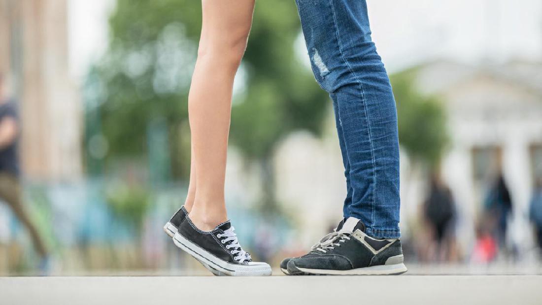 Pacaran Sehat Untuk Remaja Hindari Ciuman Bibir