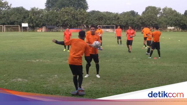 Evan Dimas Ikuti Latihan Persija Jakarta Bersama Serio Farias