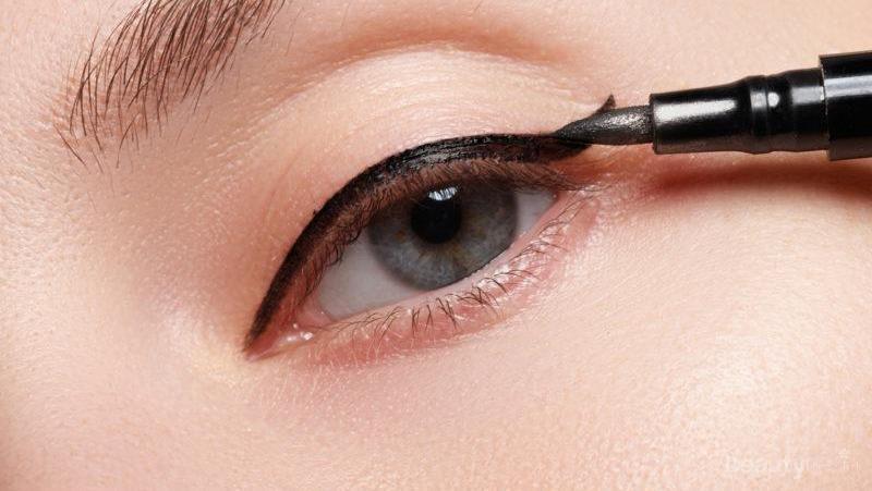 Cetar Tanpa Belepotan Cara Memakai Eyeliner Cair Dengan Mudah