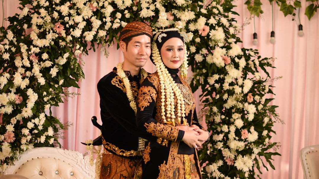 Wanita Indonesia Nikahi Pria Korea Ungkap Alasan Lepas Hijab Saat Resepsi