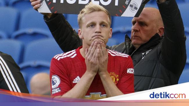 Solskjaer: Van de Beek Tak Bahagia di Man United
