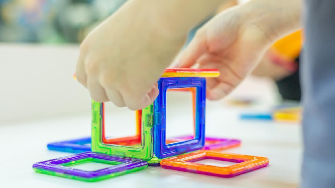 Eksperimen Cara Membuat Magnet Sembari Mengisi Aktivitas Anak
