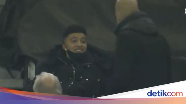 Sepakbola Guardiola Ngobrol sama Jadon Sancho, Fan