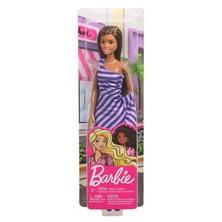 Boneka Barbie Dengan Pakaian Glamaour Seperti Ke Pesta