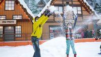 Ini Dia 4 Jenis Pakaian yang Cocok Saat Berada di Tempat Wisata Salju Bintaro!