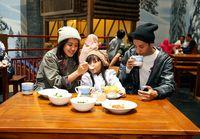 Nikmati Serunya Bermain Aneka Wahana Salju Bersama Keluarga Tercinta di Trans Snow World Juanda, Bekasi
