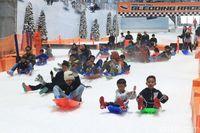 Trans Snow World Jadi Destinasi Wisata Favorit di Bekasi
