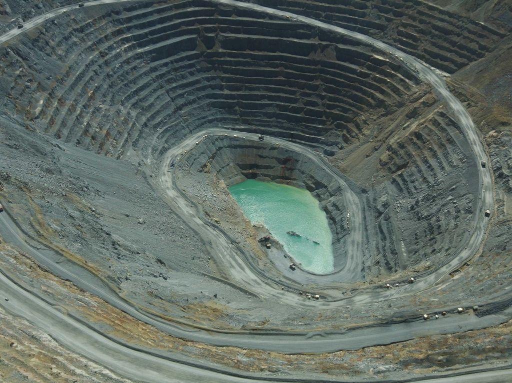Pengusaha Smelter Tolak Rencana Luhut Buka Ekspor Mineral Mentah