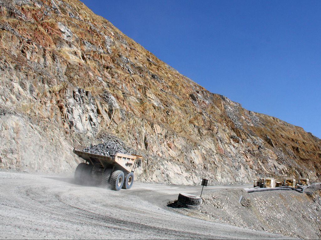 UU Minerba Sudah Direvisi, Ini Deretan Pasal yang Mencurigakan