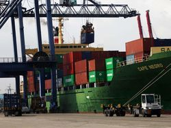 Ekspor-Impor Dihantam Corona, Pengusaha Logistik Babak Belur