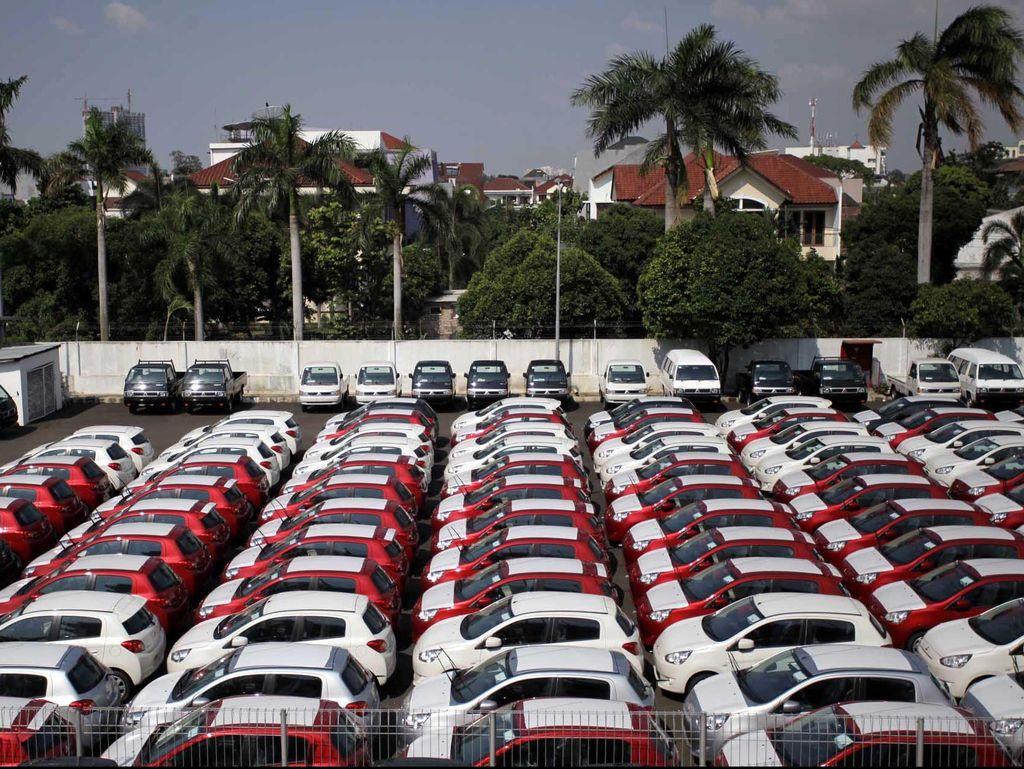 Diserang Corona, Target Penjualan Mobil Turun Lagi?