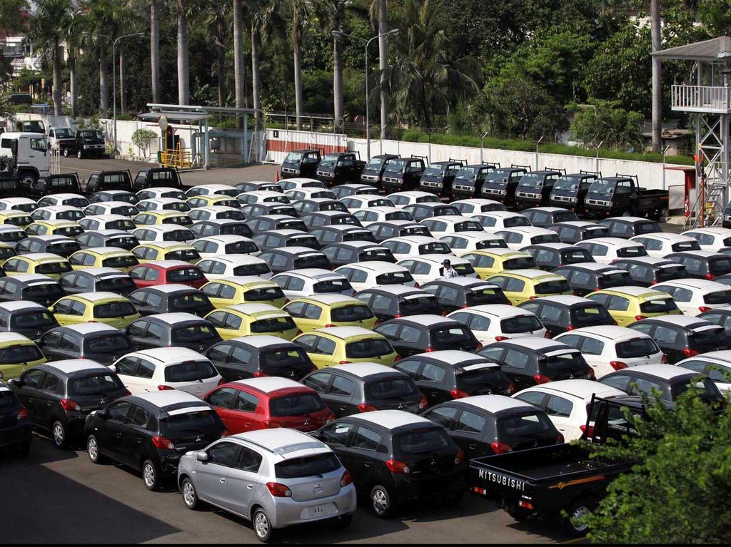 Penjualan Mobil Dunia Anjlok