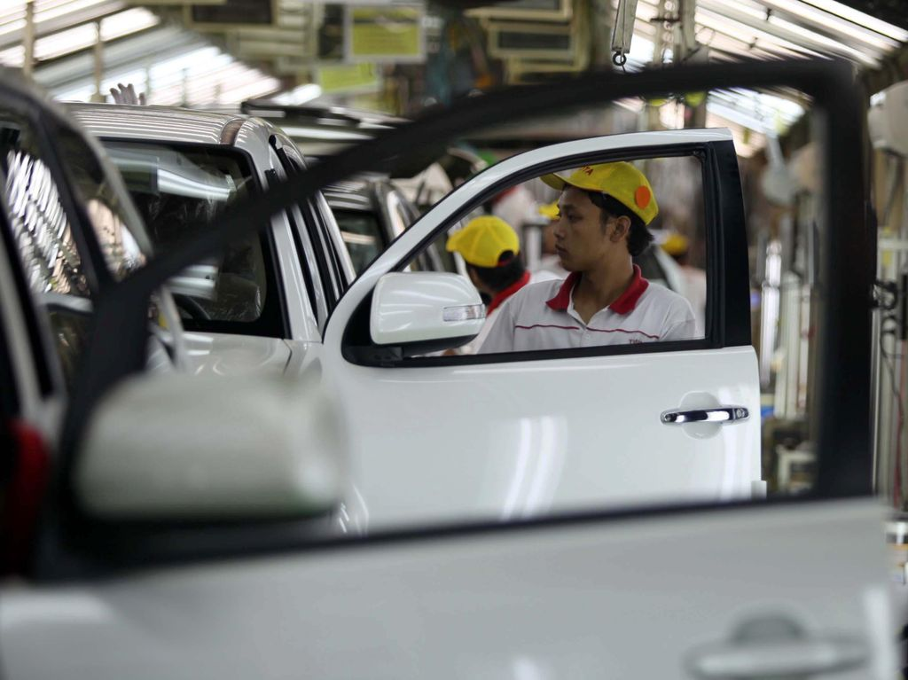 Pabrik Otomotif Setop Sementara, THR Pekerja Harus Tetap Dibayar