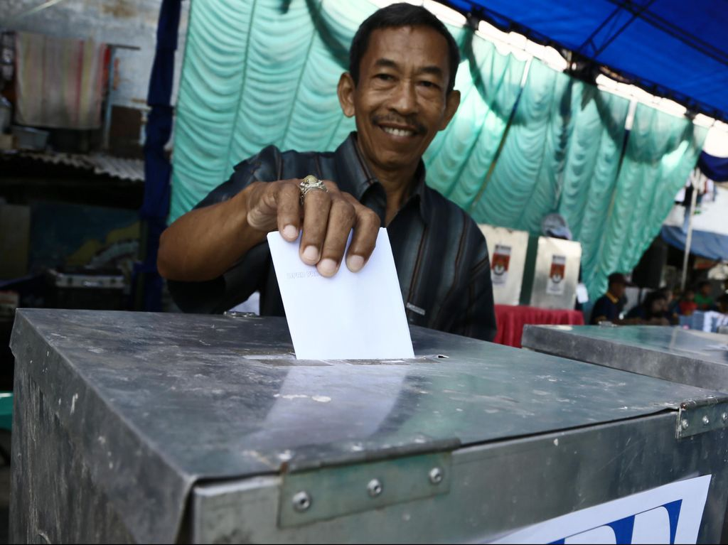 Survei LSI Denny JA: PDIP Juara di 10 Provinsi, Gerindra Nomor 2