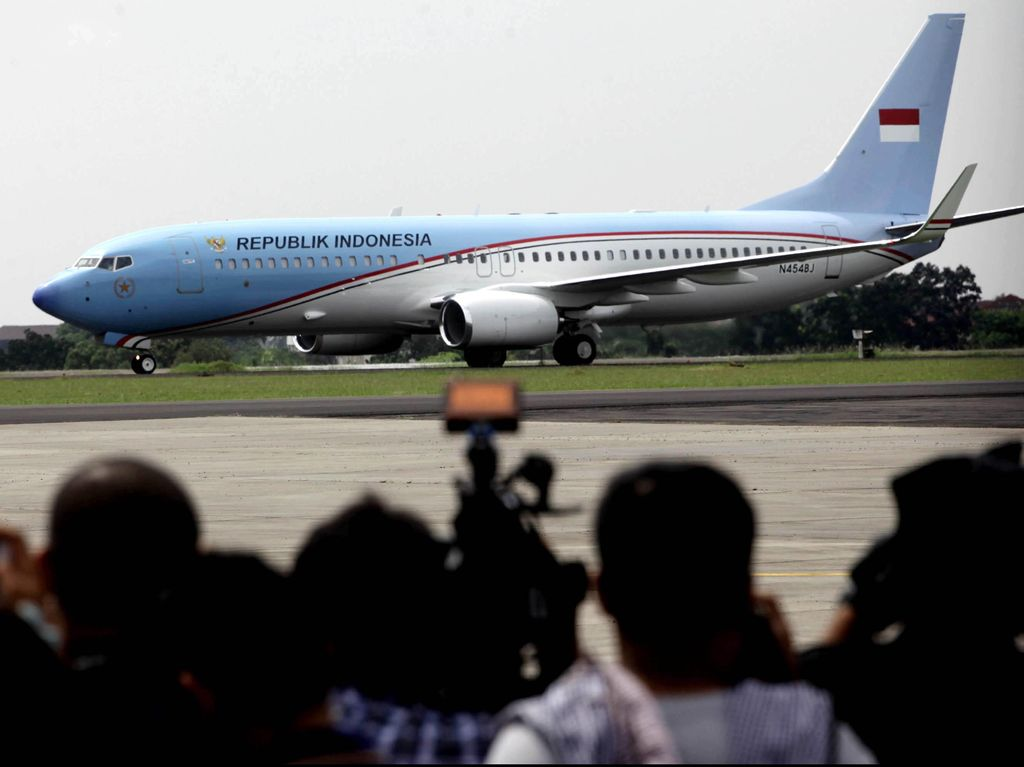 Motor Listrik Jokowi Dilelang Rp 2,55 M, Roy Suryo Usul Selanjutnya Pesawat Kepresidenan