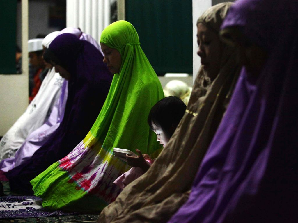 10 Bacaan Surat Pendek Untuk Sholat Tarawih di Rumah