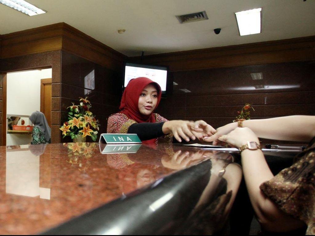 Kantor Cabang Bank Mulai Sepi Transaksi