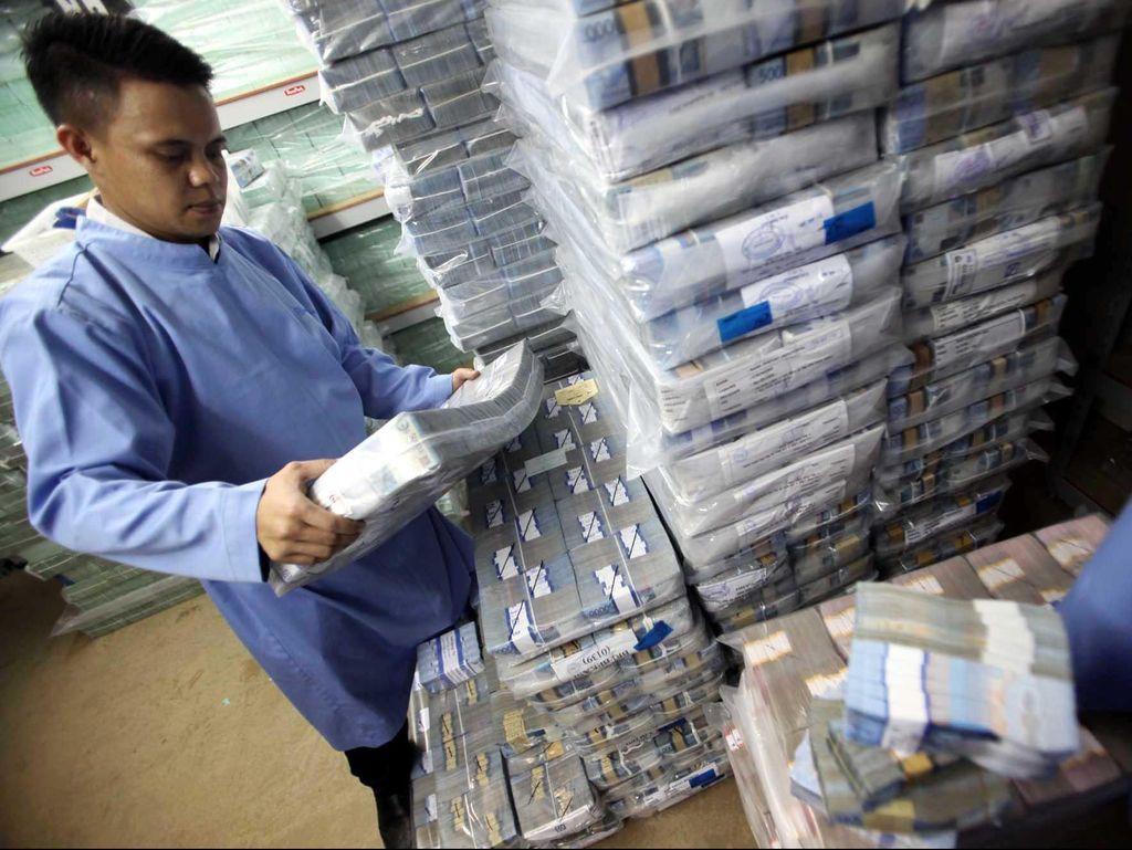 Ada 565.000 Orang RI Punya Saldo Rp 1 M di Bank