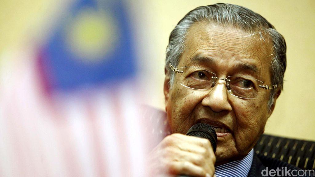 Mahathir Sebut PM Najib Penghancur Negara dan Harus Dilengserkan