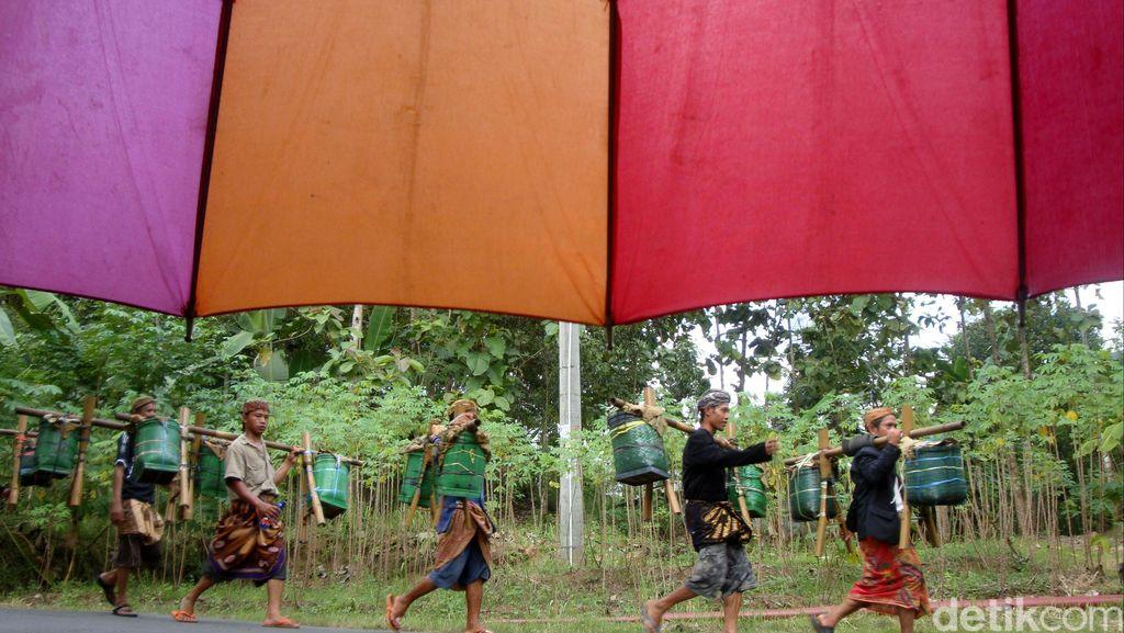Bisa Masuk Kolom Agama di KTP, Ini Foto-foto Ritual Adat Bonokeling
