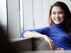 Cerita Marissa Anita Belajar Logat Solo untuk film Istirahatlah Kata-Kata