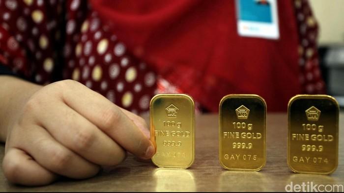 Harga emas ritel PT Aneka Tambang pada Jumat (24/5/2013) ini kembali mengalami kenaikan harga. Dibandingkan dengan harga Kamis (23/5/2013) kemarin, kenaikan terjadi sebesar Rp 3.000 per gram. File /detikFoto.