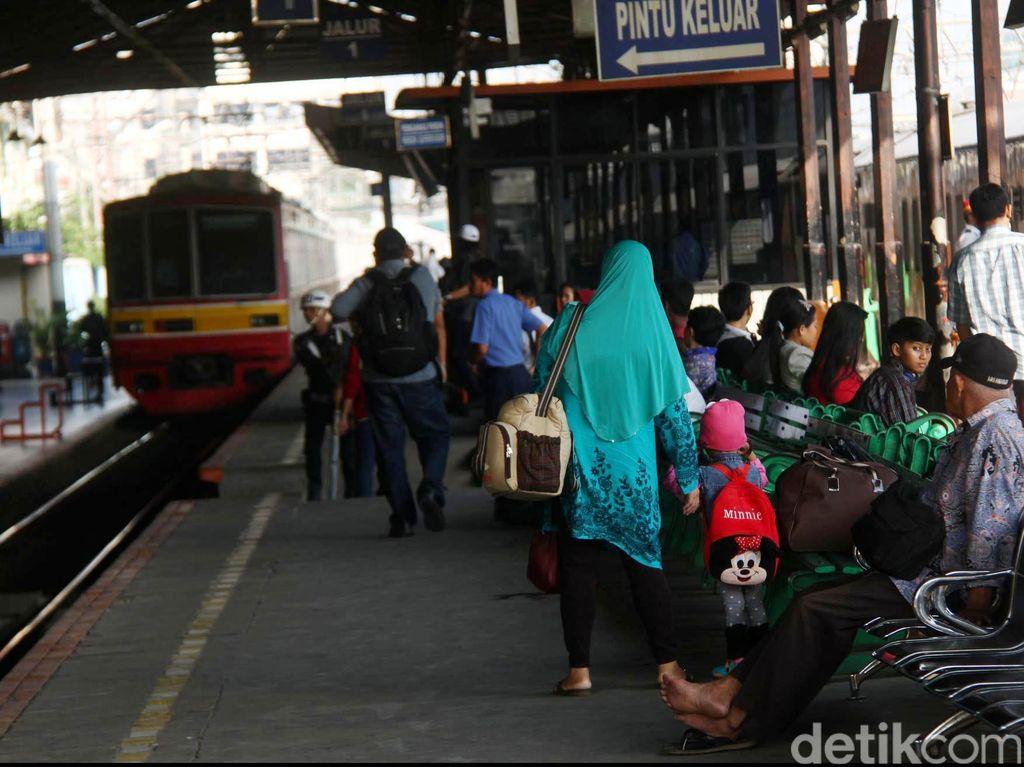 Keluh Kesah Anker Telat karena DDT: Bekasi ke Jatinegara 2 Jam