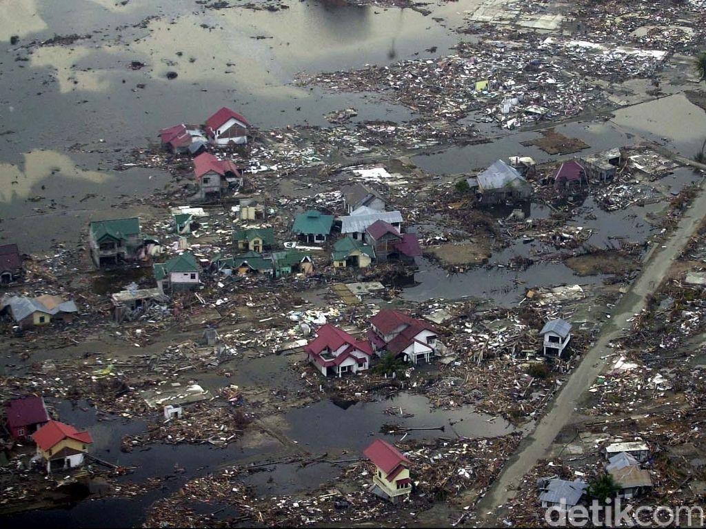 Jadi Korban Tsunami, Kerugian Apa Saja yang Ditanggung Asuransi?