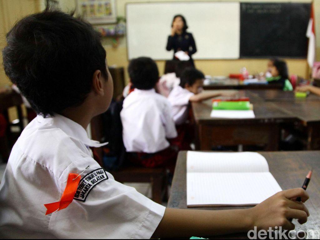 Tunjangan Guru Disetop untuk Daerah yang Masih Punya Kas