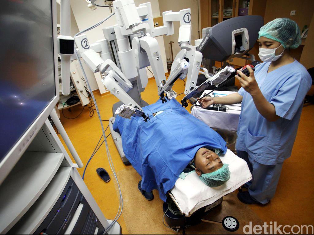 Nantinya Robot Bisa Bantu Dokter Bedah Untuk Menjahit Pasien