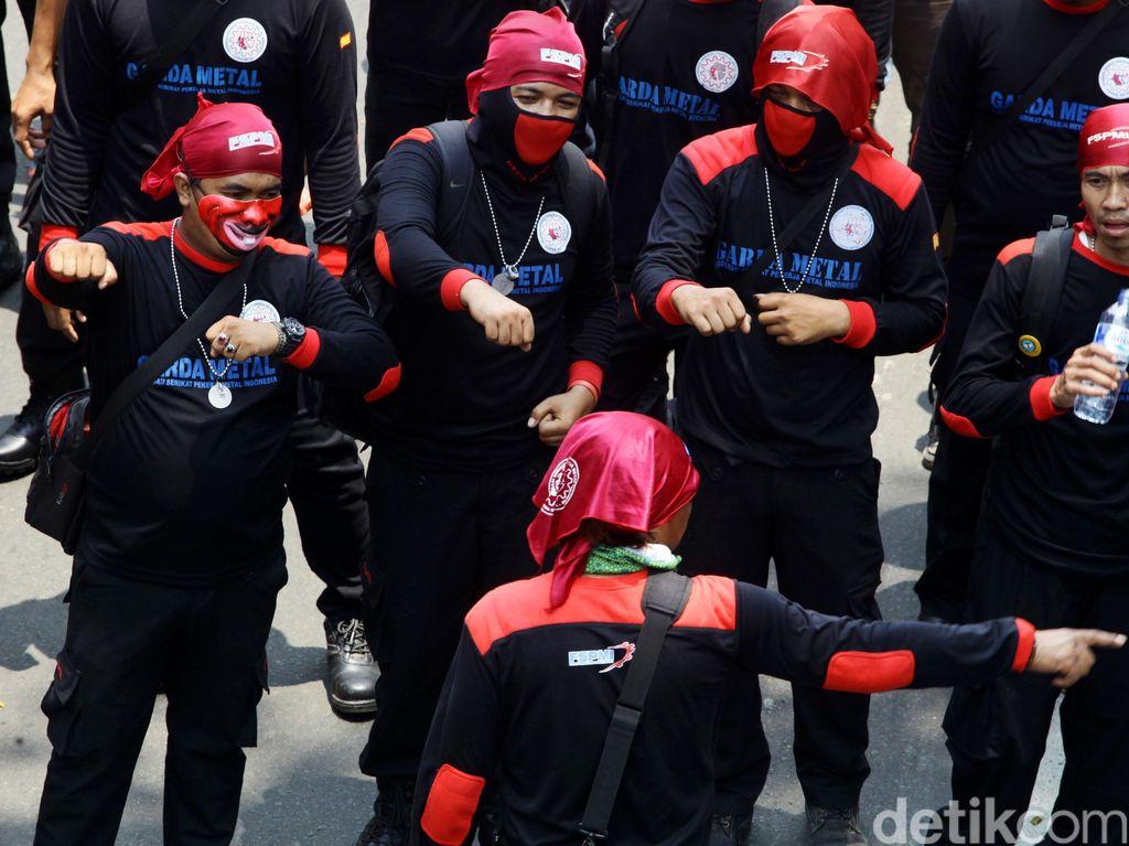 Curhat Buruh: Perusahaan Tak Beri Fasilitas Kesehatan Layak saat Pandemi