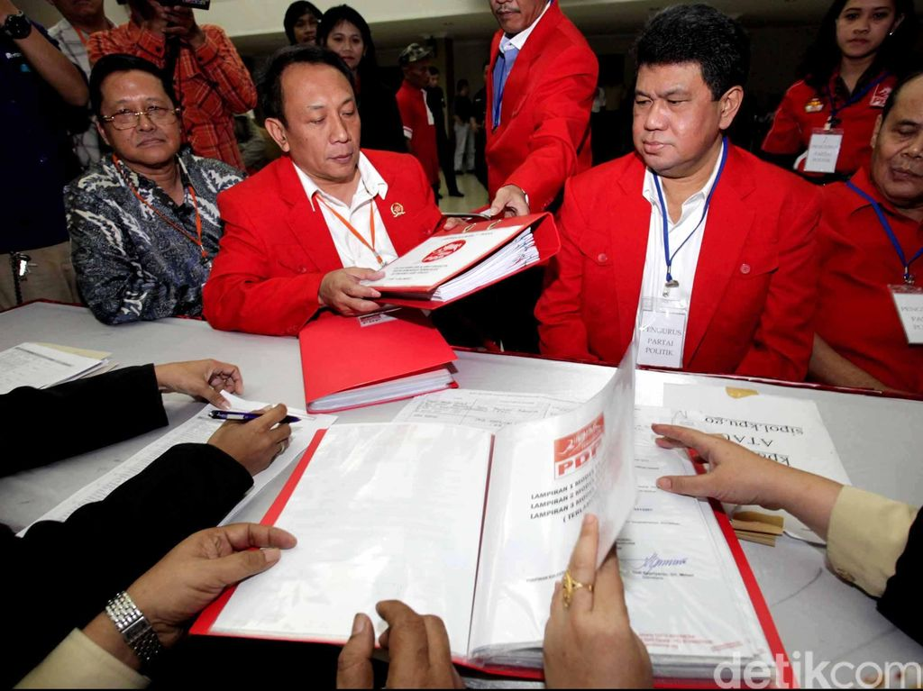 Eks Politikus PDIP Roy BB Janis Meninggal Dunia