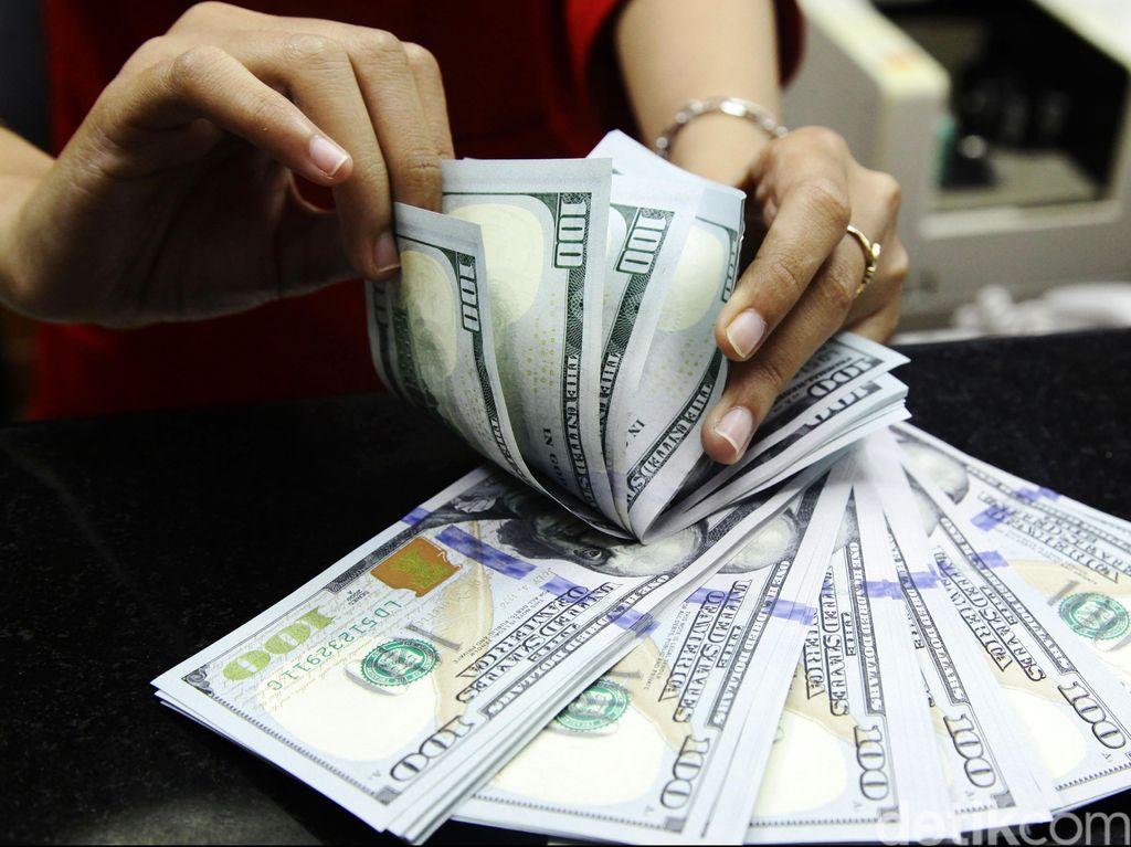 Menguat Lagi, Dolar AS Makin Dekati Rp 14.200