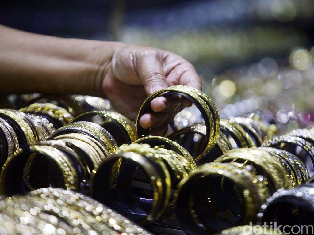 Warga Ramai-ramai Jual Emas, tapi Tak Sebanyak Saat Krisis 1998