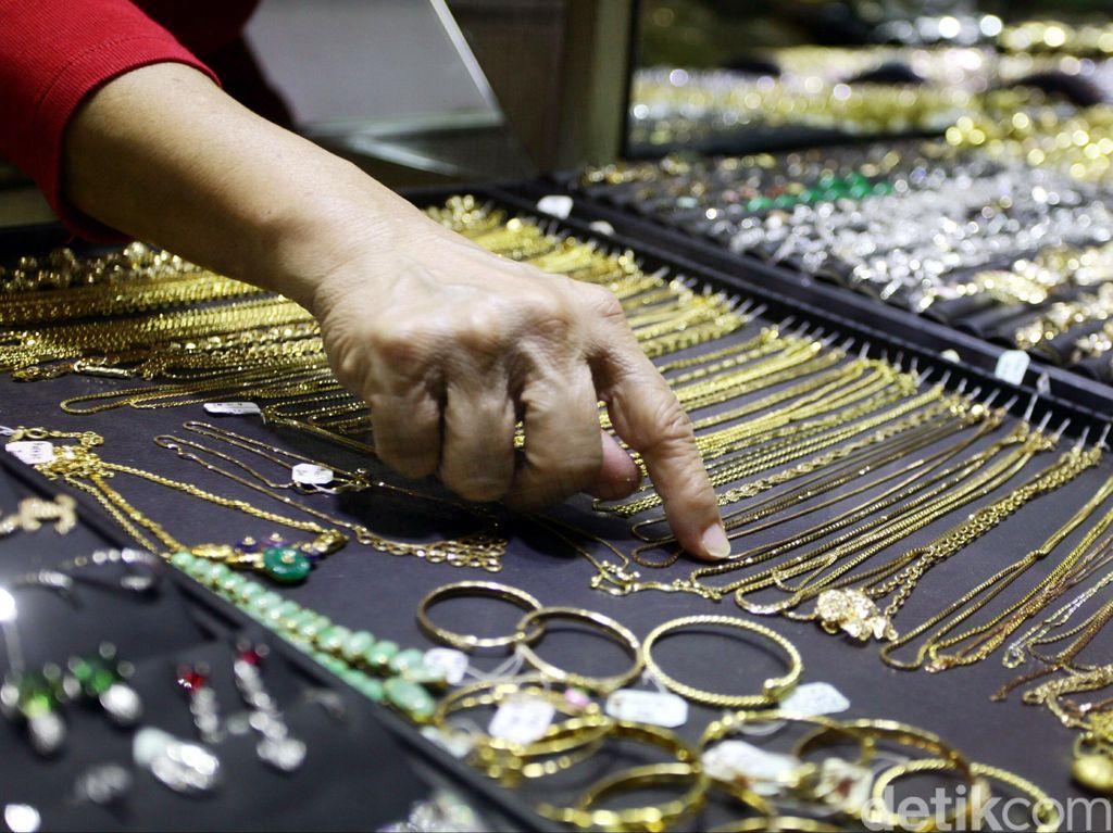 Mal Tutup Imbas Corona, Penjualan Perhiasan Emas Anjlok 50%