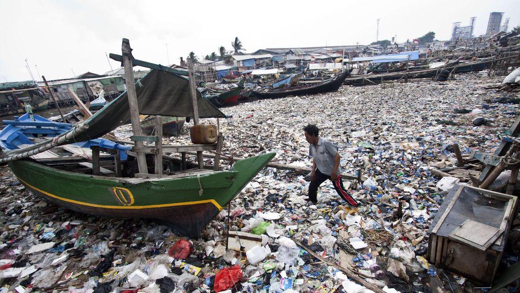 Foto: Melihat Lagi Kondisi Sampah di Teluk Jakarta