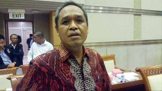 Wakil Ketua Komisi Hukum DPR Benny Kabur Harman mengatakan uji kelayakan Calon Pimpinan Komisi Pemberantasan Korupsi bersama Robby Arya Brata ditunda sampai Kamis (4/12) pagi pukul 10.00 WIB