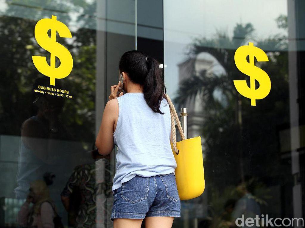 Jatuh Bangun Rupiah di 2018, Dolar AS Sempat Rp 15.200