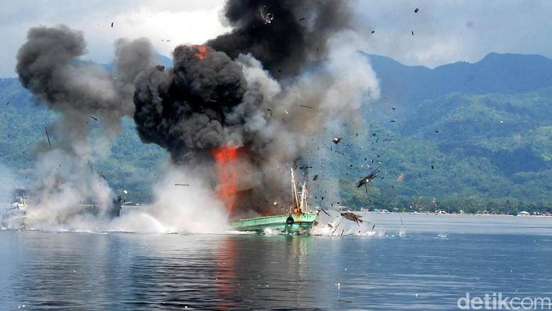 TNI AL Tangkap Kapal Ikan Berbendera Cina di Perairan Natuna