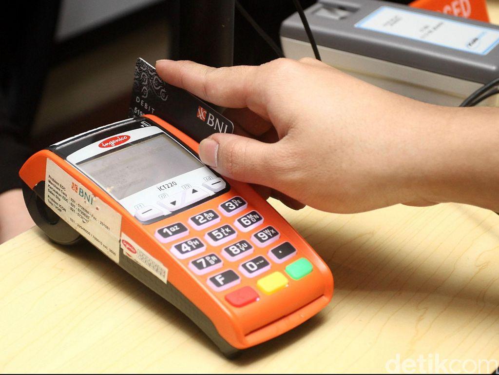 Cek Jadwal Pemblokiran Kartu ATM Gesek BCA, Mandiri dan BNI