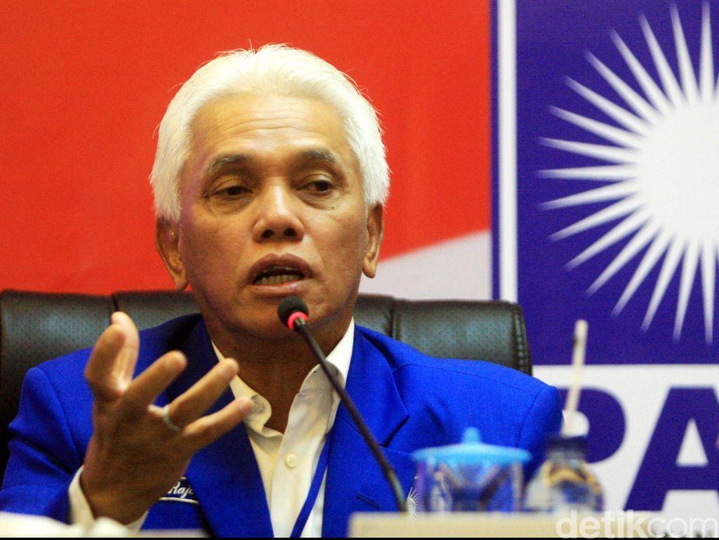 Tanpa Kata, Hatta Rajasa Tinggalkan Kediaman SBY