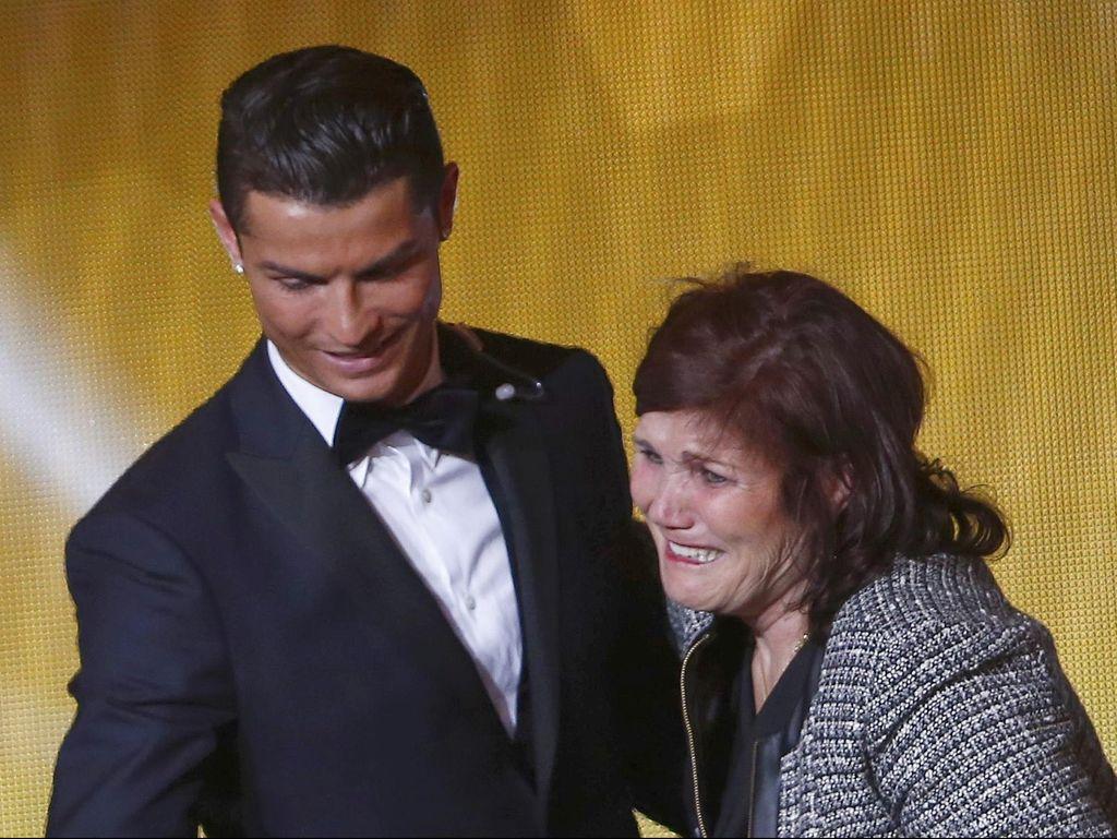 Ibunda Ronaldo Didiagnosa Kanker, Kondisinya Serius