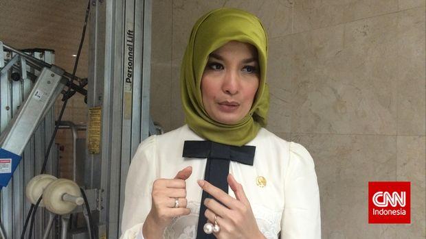 Mantan model Arzetty Bilbina Setyawan kembali lolos jadi anggota DPR.